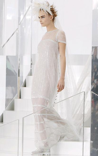 Karl-Lagerfeld-Cara-Delevingne-abito-sposa-2014-Chanel-Haute-Couture1