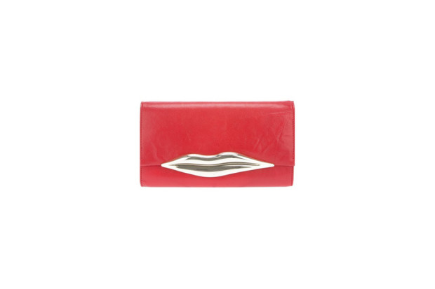 Red clutch Diane Von furstenberg.