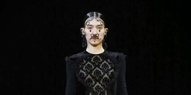 2015 Givenchy-Paris Fashion Week (4)