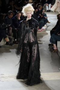 2015 paris fashion week_alexander McQueen (1)
