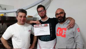 2015-11-05_consegna-attestati-corso-pizzaiolo_foto-paparini-(2)