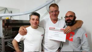 2015-11-05_consegna-attestati-corso-pizzaiolo_foto-paparini-(3)