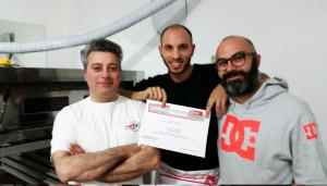 2015-11-05_consegna-attestati-corso-pizzaiolo_foto-paparini-(4)