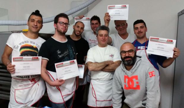 2015 11 05_consegna attestati corso pizzaiolo_foto paparini (7)